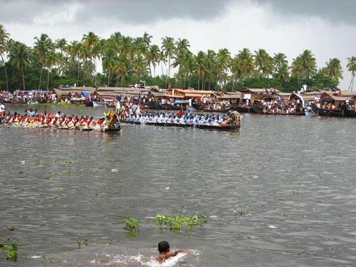http://www.keralacafe.com/kerala_festivals/images/image2.jpg